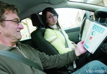 des places d'examen de conduite supplémentaires
