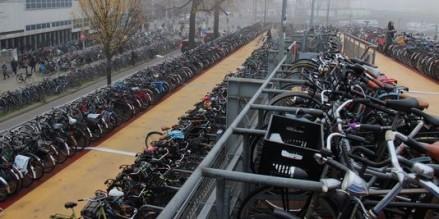 parking à vélos gare centrale amsterdam